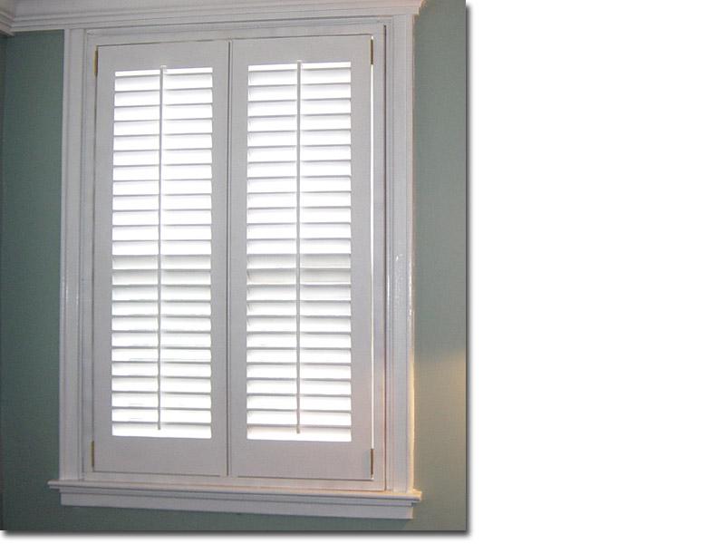 Ellis Window 2 1/2 in. Louver